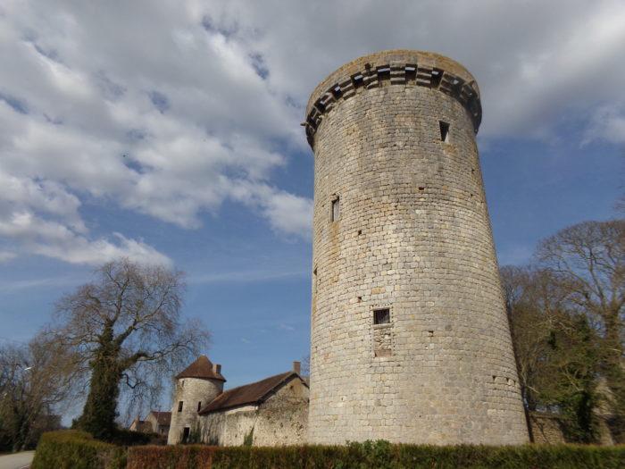 Tour du Château de Dammarie en Puisaye