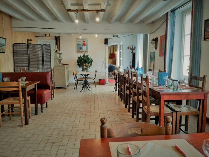 Cernoy en Berry-Restaurant Le Saint-Loup-Salle de Restaurant