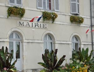 Autry-le-chatel – mairie – 8 août 2018 – OT Terres de Loire et Canaux – IRémy (38)