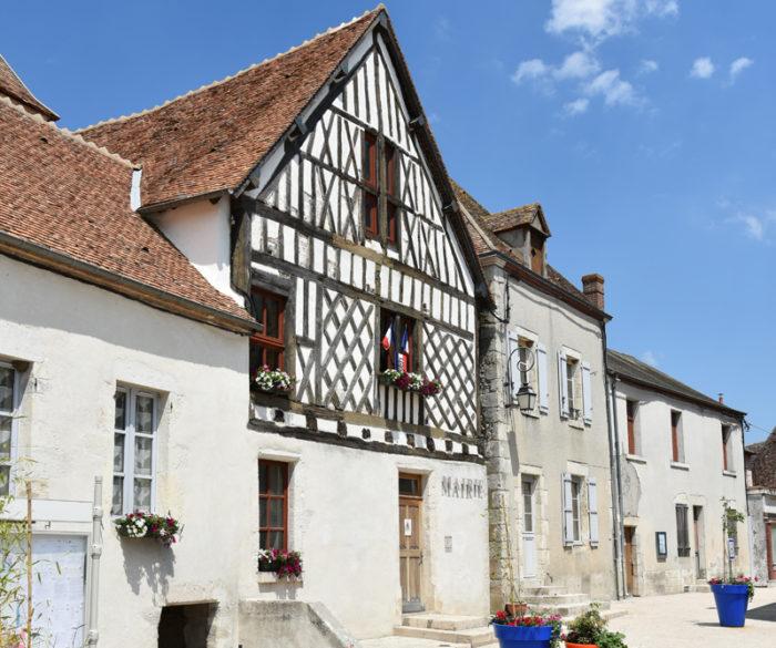 Beaulieu sur Loire Mairie place de l'église – 15 juillet 2018  – OT Terres de Loire et Canaux – IRémy (9)