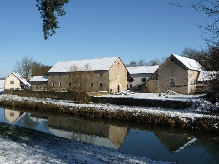 Briare- Meublé la poudre d'escampette-Canal et ferme sous la neige
