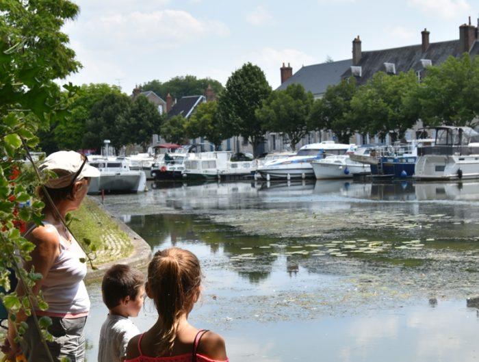 Briare – Port de Plaisance – famille -23 juillet 2018- OT Terres de Loire et Canaux-IRémy (011)