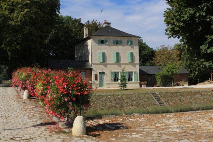 Châtillon sur Loire – Le Relais de Mantelot -façade