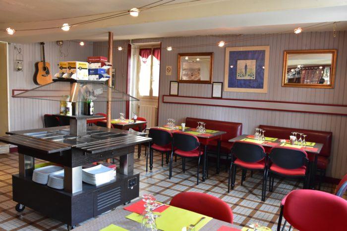 Beaulieu sur Loire-Restaurant de la Place d'Armes-salle de restauration