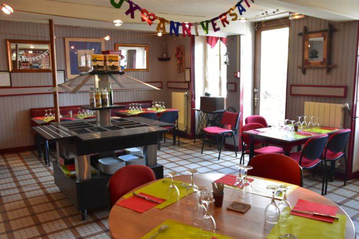 Beaulieu sur Loire-Restaurant de la Place d'Armes -salle