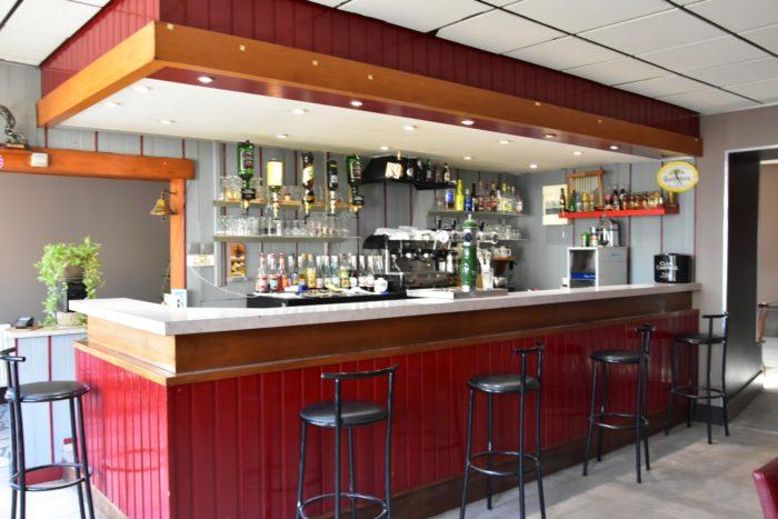 Beaulieu sur Loire-Restaurant de la Place d'Armes -bar