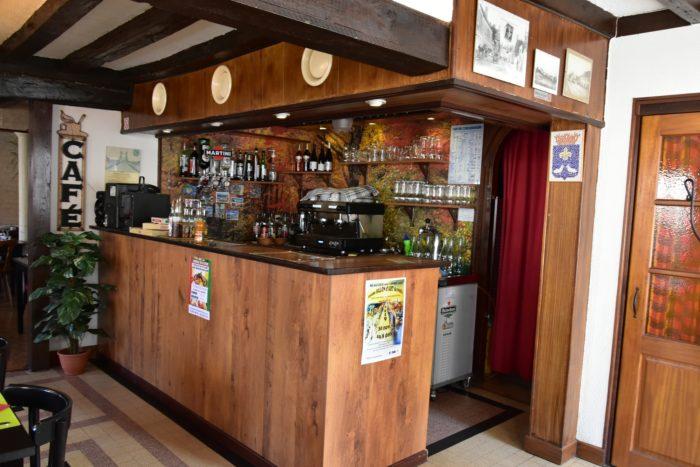 Beaulieu sur Loire-Auberge de la Tour-bar