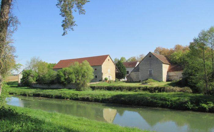 Briare-chambres d'hôtes-vue par le canal