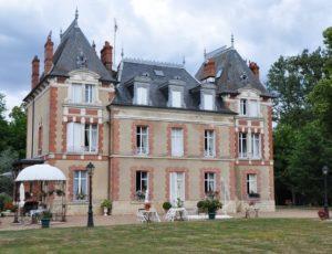 Château de la Chesnaye-La Bussière-Façade