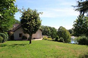 Ousson sur Loire-gite de l'Oscelette-vue du jardin