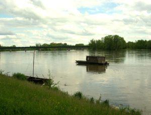 LA LOIRE à BRIARE-Circuit des Bords de Loire-OT Terres de Loire et Canaux IRémy