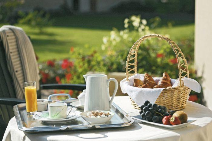 Ousson sur loire-Le clos du vigneron -petit déjeuner