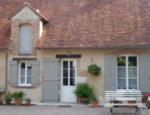 Adon – Domaine d'Adon : façade du logement