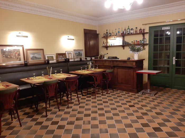 Ouzouer sur Trézée-Restaurant-Le-Clos-des-Lombards-salle de restauration
