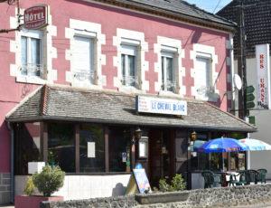 Thou-Hôtel/restaurant Le cheval blanc-façade