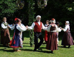 bAL-TRAD-folk-dance-54530-1920