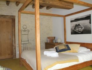 Batilly en faPuisaye-Familly Ecolodge-chambre-hotes-familiale-