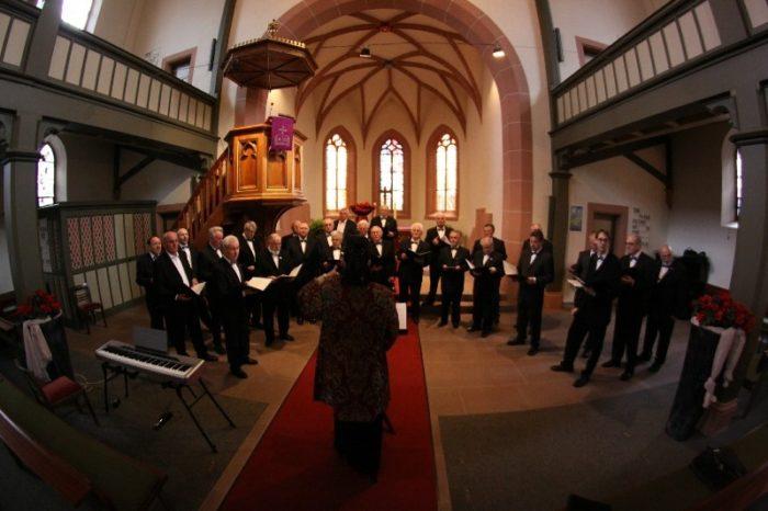 church-choir-408412_1920