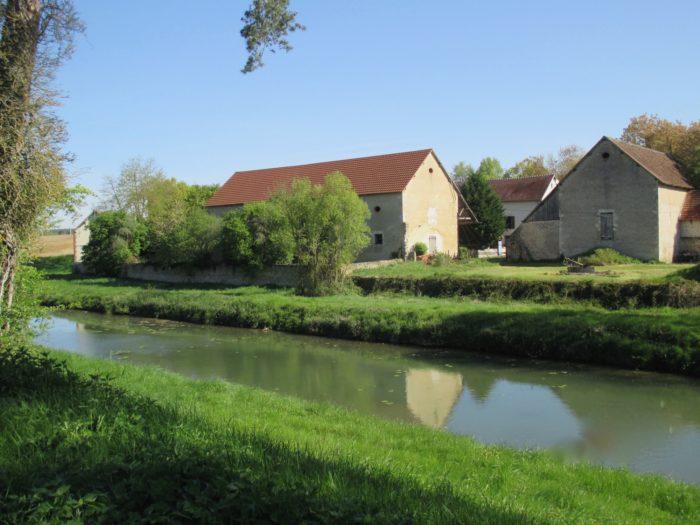 Briare-Meublé la poudre d'escampette-depuis La Loire à vélo
