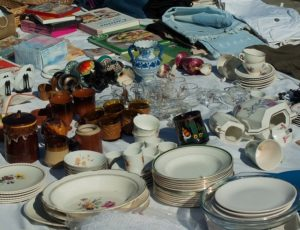 flea-market-1681489_1920