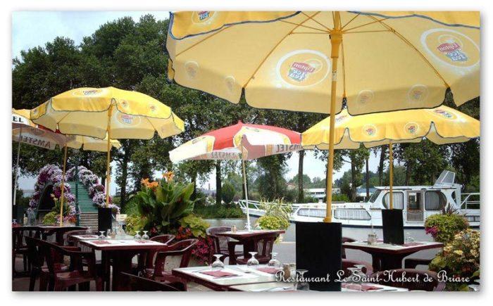Restaurant Le Saint-Hubert de Briare – Terrasse extérieure