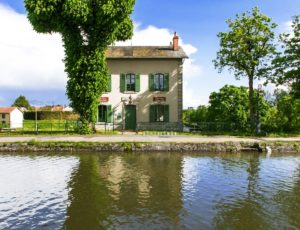 Briare – Gite du Pont-Canal – maison éclusière de briare