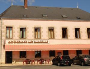 Dammarie en Puisaye-le relais du Donjon-façade du restaurant