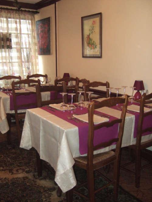 Châtillon sur Loire-restaurant Arlequin-salle de restauration