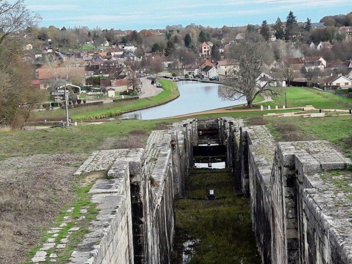 Ouzouer sur Trézée-gite du canal le Chaloy-Les 7 écluses de Rogny