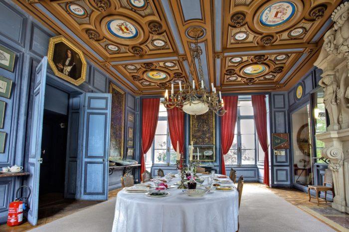 salle-a-manger-La-Bussiere—Chateau-de-la-Bussiere